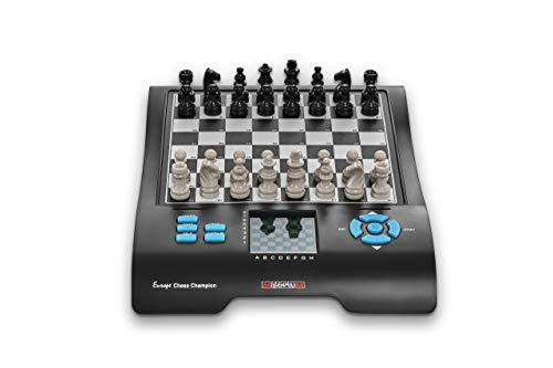 Millennium M800 Europe Chess Champion - Schachcomputer + 7 weitere Spiele (Dame, Halma, 4 gewinnt,...