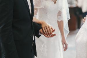 Eine gelungene Hochzeitsfeier kann mehrere zehntausend Euro kosten.