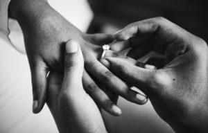 Wann ein Ehevertrag sinnvoll ist und was er kostet.