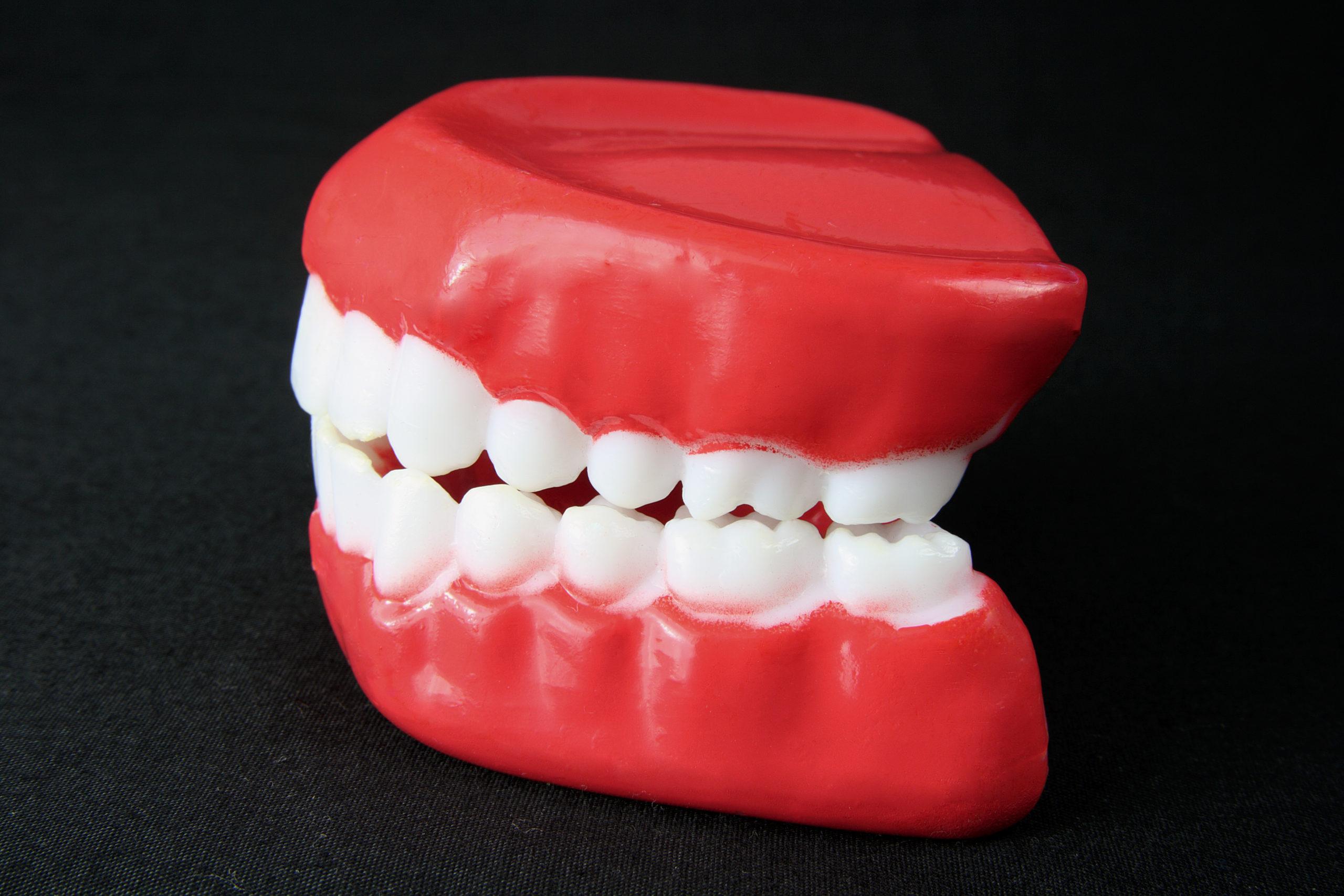 Diese Arten von Zahnersatz gibt es, und so viel kosten sie.