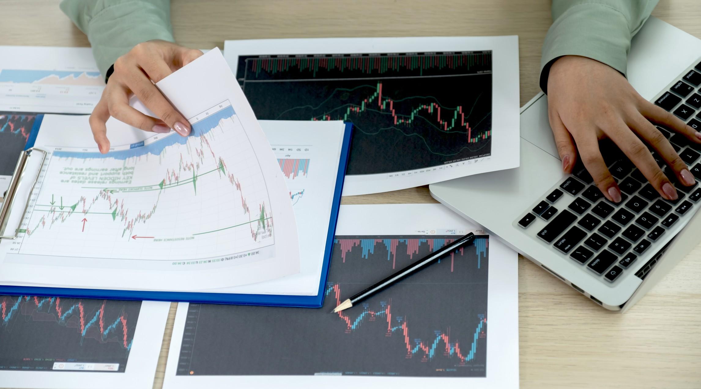 Die Kosten bei Fonds und Investment Alternativen können die Rendite erheblich beeinflussen. Foto: Lucky7trader via Twenty20