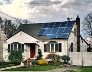 Die Kosten einer Solaranlage amortisieren sich nach 10 bis 15 Jahren. Foto addie2354 via Twenty20
