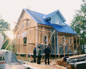 Mit welchen Kosten müssen Bauherren beim Hausbau rechnen. Foto: lidsspb via Twenty20